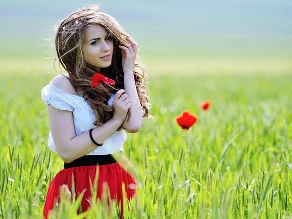 Phụ nữ càng đẹp càng cần tự răn mình