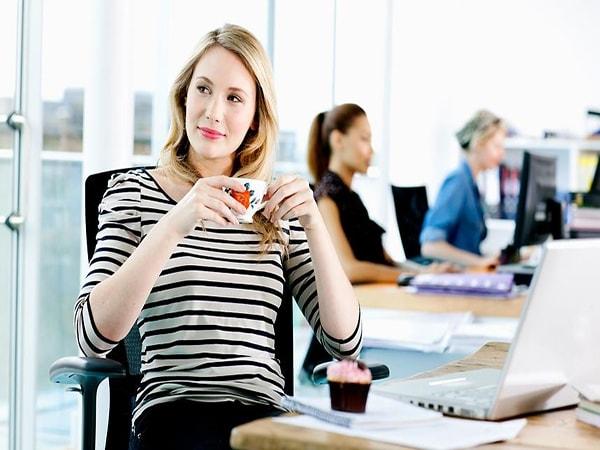 Đoán tính cách bạn nữ qua bàn làm việc