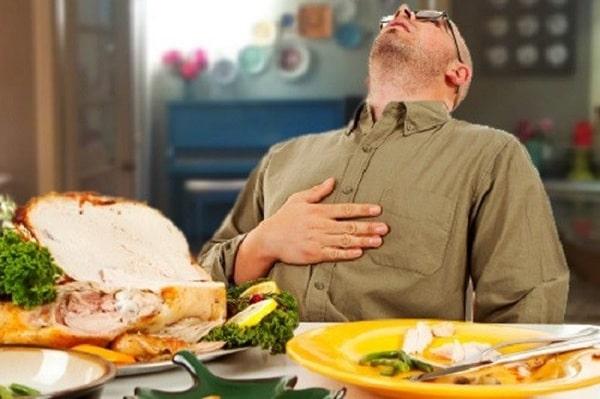 Ăn bữa tối quá no