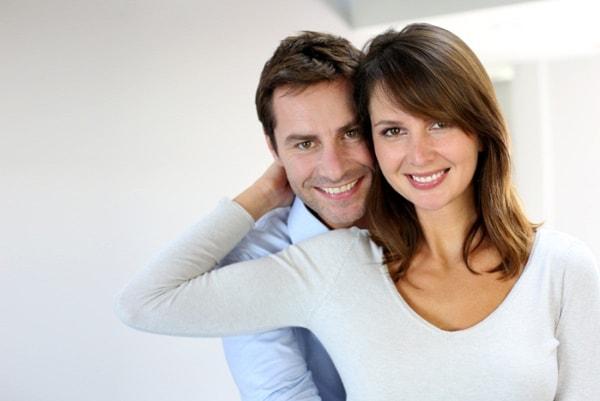 Phụ nữ nên chia sẻ công việc với chồng thế nào?