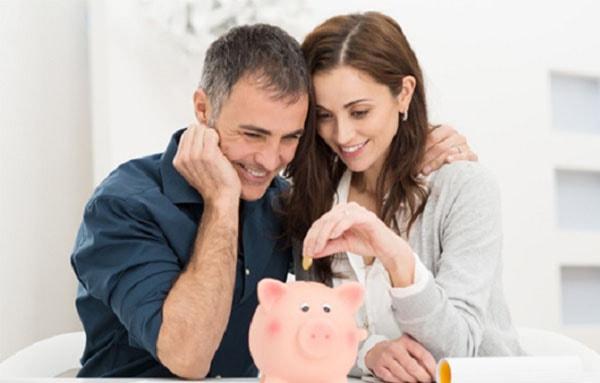 Vợ chồng hạnh phúc nếu biết chia sẻ cách chi tiêu