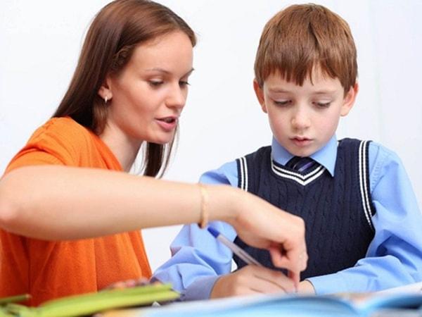 """Những điều bố mẹ thường """"quên"""" khi dạy con"""