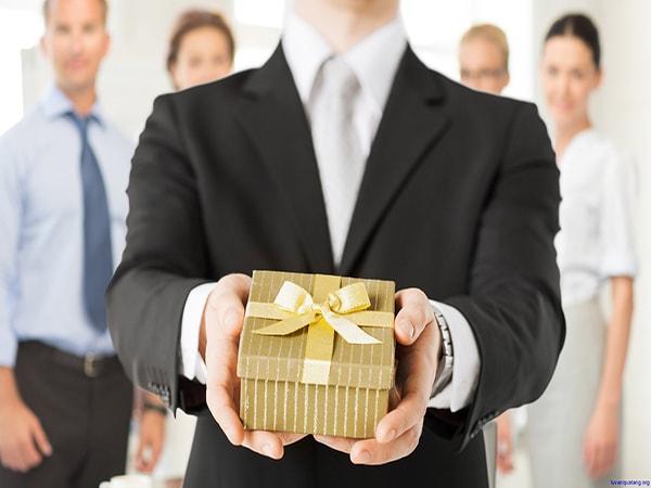 Loại ra khỏi danh sách những quà tặng quen thuộc và nhàm chán