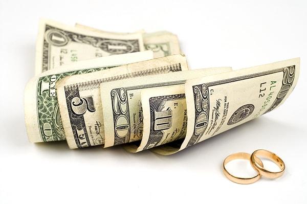 Hãy cởi mở và trung thực về số tiền bạn có và bạn cần với nửa kia