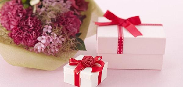 Hãy tặng phái đẹp món quà kỷ niệm