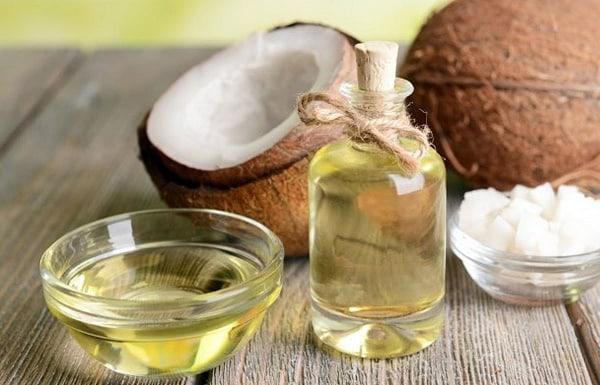 Dầu dừa có rất nhiều công dụng trong việc làm đẹp