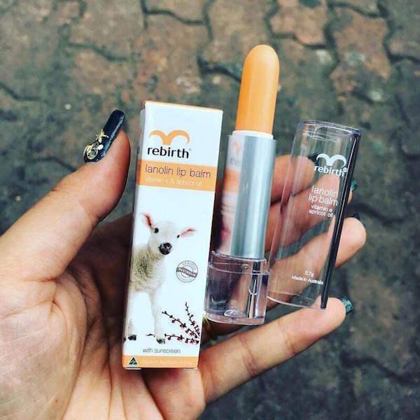 Son dưỡng môi Za Vitamin Lip giúp hạn chế tác hại của tia UV