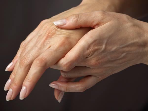 """Những nguy cơ tiềm ẩn khi bị """"hội chứng ống cổ tay"""" 1"""