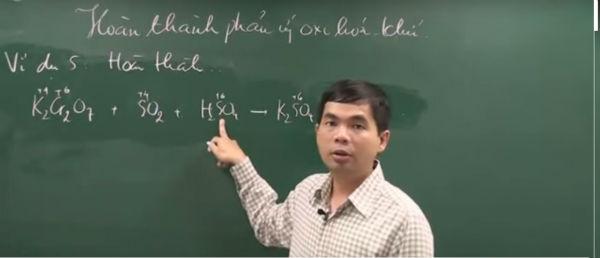 Thầy Phạm Ngọc Dũng - Giảng viên khoa Hóa của ĐH Khoa học Tự nhiên