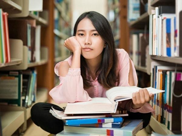 Sinh viên làm thêm: Được và mất