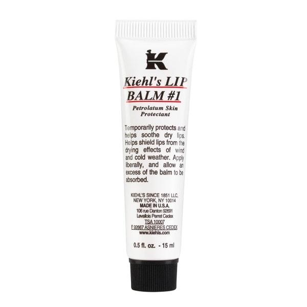 Kiehl's Lip Balm #1 chứa  lô hội, lanolin, cùng các vitamin A và E sẽ bảo vệ rất tốt cho đôi môi