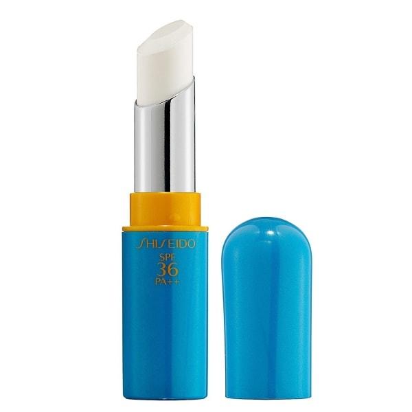 Shiseido Sun Protection Lip Treatment SPF 36 PA++ loại son dưỡng môi có khả năng giữ ẩm cao