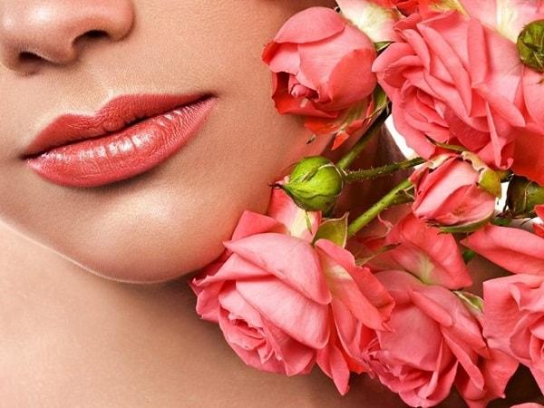 Mách bạn công thức trị thâm môi bằng dầu dừa