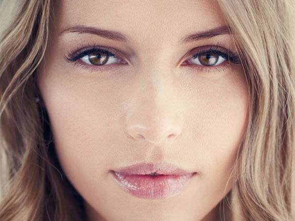 Các thành phần có trong Vitamin E giúp ngăn chặn quá trình khô da, giữ độ ẩm lâu dài cho da