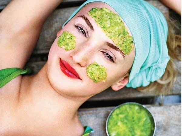 Nếu bạn thuộc nhóm làn da nhạy cảm thì việc sử dụng Vitamin E hàng ngày sẽ giúp bạn bảo vệ làn da tốt hơn