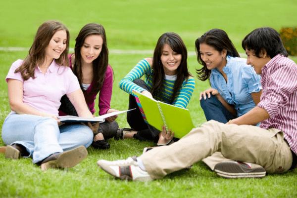 Học gia sư theo nhóm mang lại nhiều lợi ích hơn mong đợi