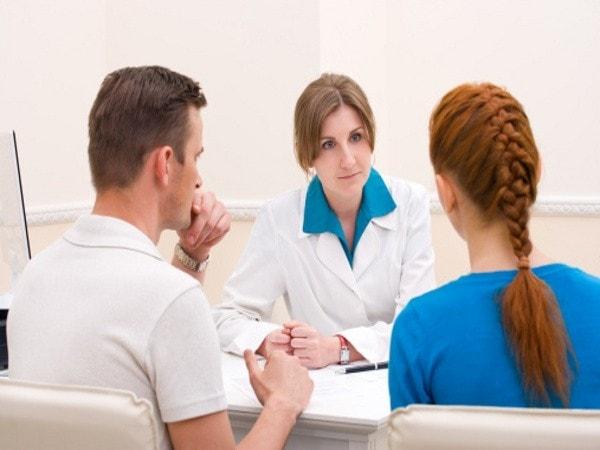 Nên thường xuyên khám sức khỏe định kỳ để tránh được tai biến sau khi sẩy thai, phá thai