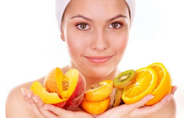 Mẹ bầu nên bổ sung thêm vitamin từ rau, củ, quả giúp da khoẻ mạnh và sang hơn