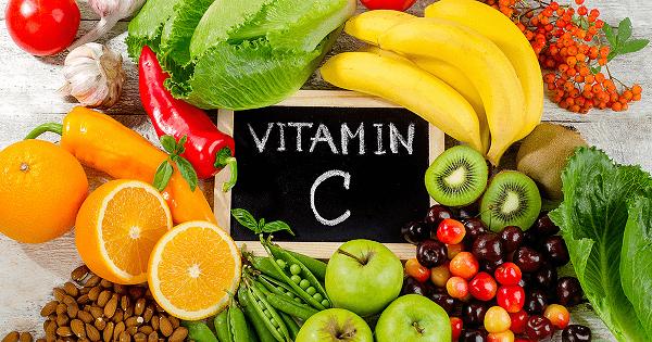 Mẹ bầu nên cung cấp nhóm thực phẩm giàu vitamin C để chống lão hóa da