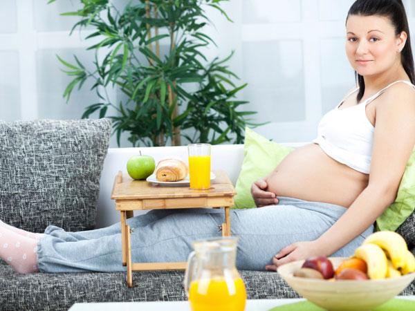 Các bà mẹ nên lựa chọn các sản phẩm dưỡng da có chiết xuất từ thiên nhiên