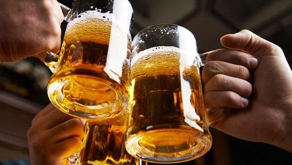Nên hạn chế sử dụng rượu, bia