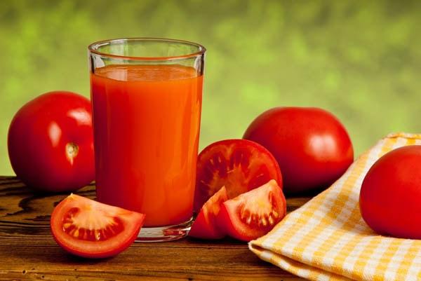 Nước ép cà chua có công dụng tuyệt vời