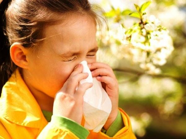 8 bài thuốc dân gian chữa ngạt mũi hiệu quả cho trẻ