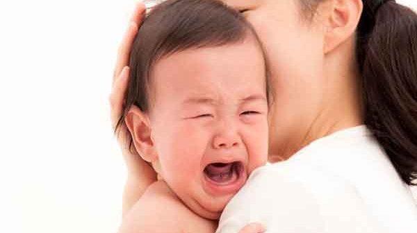 Dấu hiệu nhận biết và cách xử lý khi trẻ sơ sinh bị đau bụng