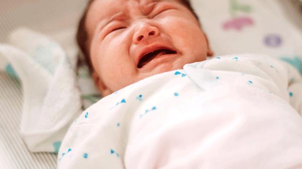 Nguyên nhân nào khiến trẻ sơ sinh bị tiêu chảy?