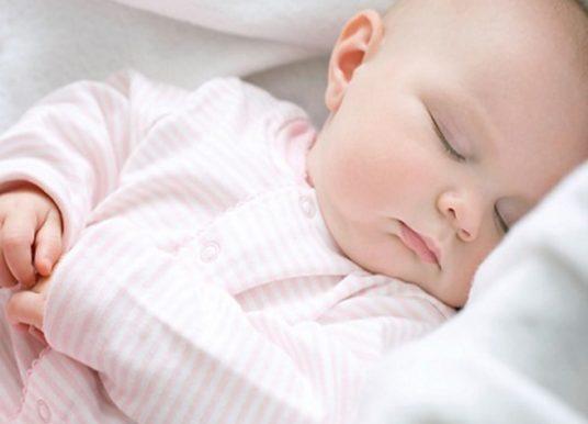 6 cách để trẻ sơ sinh ngủ sâu giấc bạn nên biết