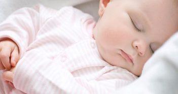 cách khắc phục trẻ sơ sinh ngủ ngày thức đêm