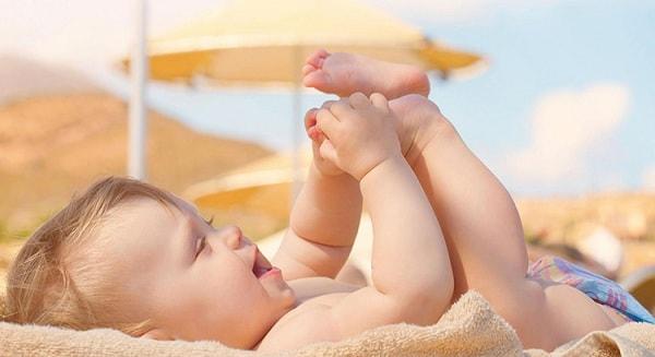 nguyên nhân trẻ sơ sinh hay vặn mình khi ngủ 2