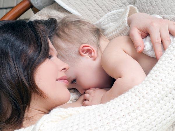Có phải sữa mẹ loãng nên con tăng cân chậm? 1