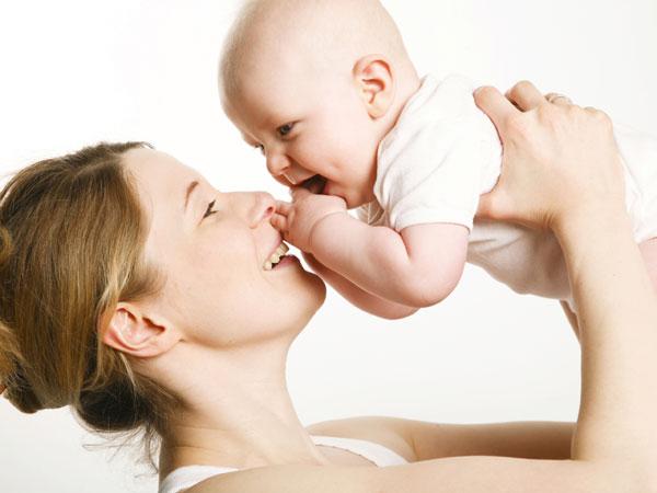 Có phải sữa mẹ loãng nên con tăng cân chậm? 4