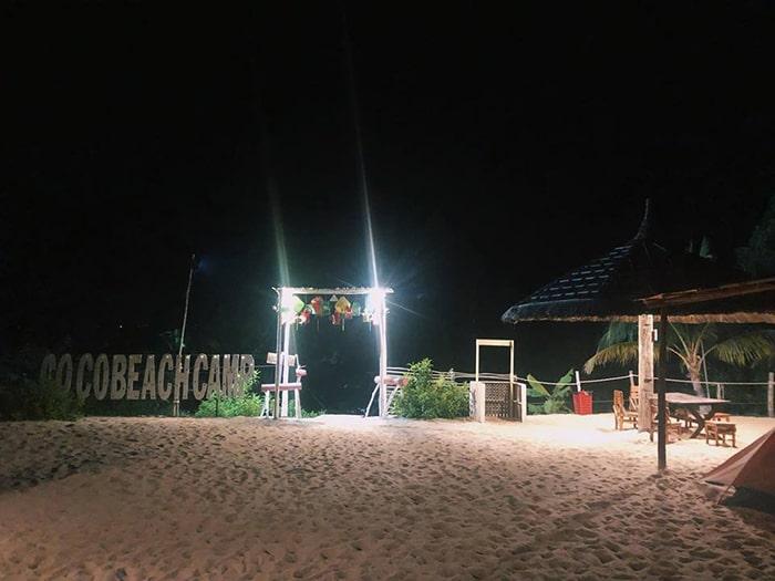Buổi tối ở bãi biển Coco beach Camp
