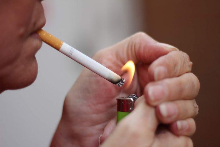 Người hút thuốc lá có lượng tinh trùng thấp hơn người không hút