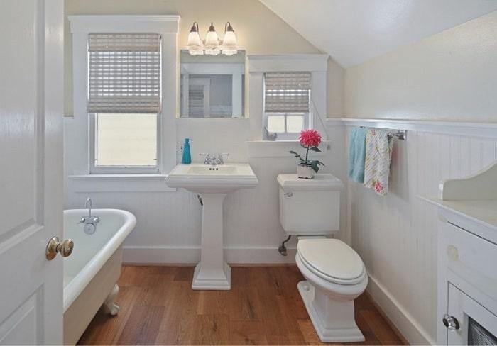 Nhà vệ sinh nên có từ 1-2 cửa thông gió