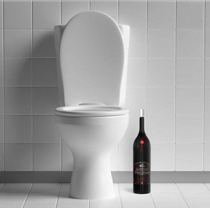 Khử mùi hôi nhà vệ sinh bằng rượu