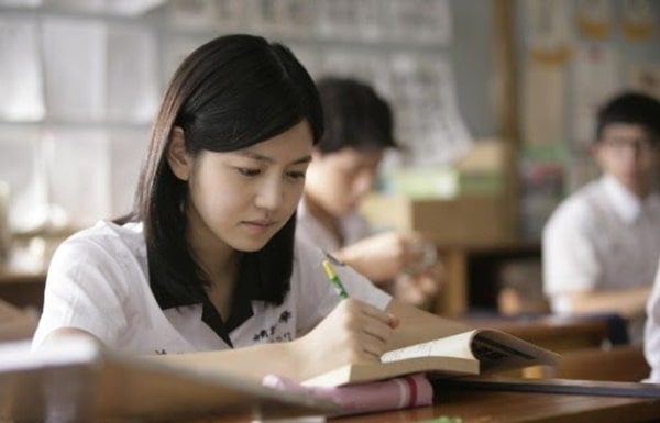 Áp lực thi cử khiến nhiều bạn học sinh sinh viên mệt mỏi