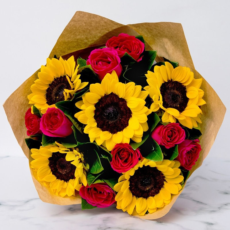 Nên tặng bạn gái hoa hướng dương nhân ngày Valentine